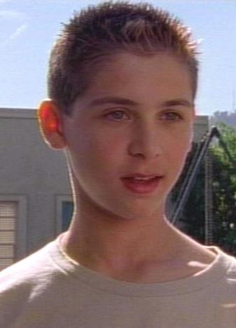 Justin Berfield (b.25.02.1986)